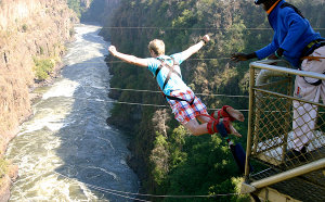 06 - Victoria-Falls-Bungee1