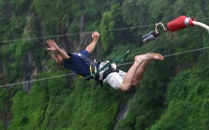 06 - Victoria-Falls-Bungee2